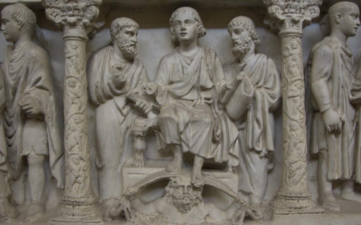 Tượng Đức Giê-su đạp lên đầu thần Ouranos trong hầm mộ Junius Bassus